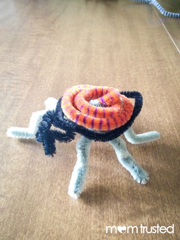 Creepy Crawly Pipe Cleaner Creatures 2013 08 25 08.26.17