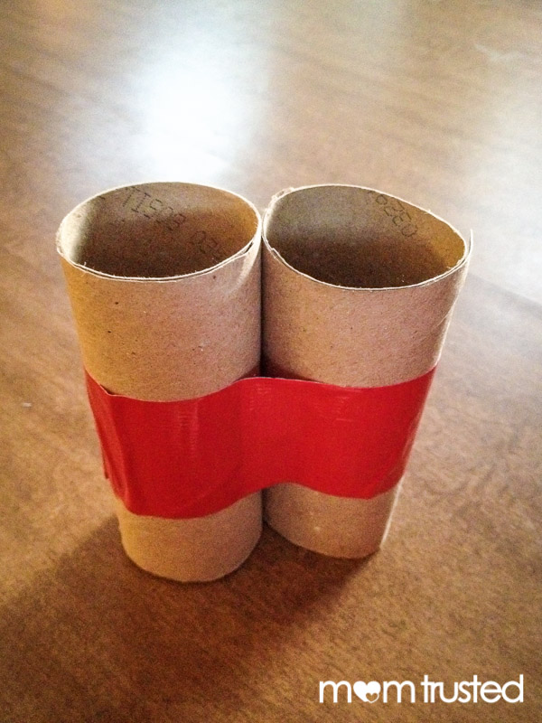 Play Binoculars from Cardboard Tubes 2013 10 27 17.57.33