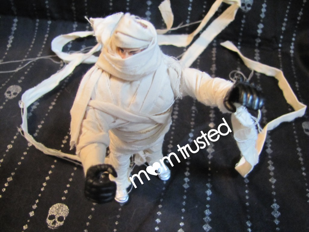 DIY Mummy Decorations from Toys mummy 7 1024x768