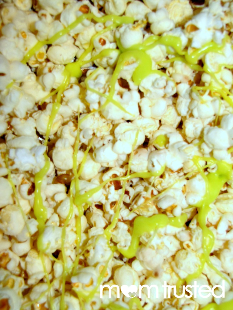 White Chocolate Colorful Party Popcorn pop 3 copy 768x1024